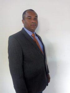 Presidente da comissão de Finanças, Obras e Serviços Públicos, Transporte e Comunicação.